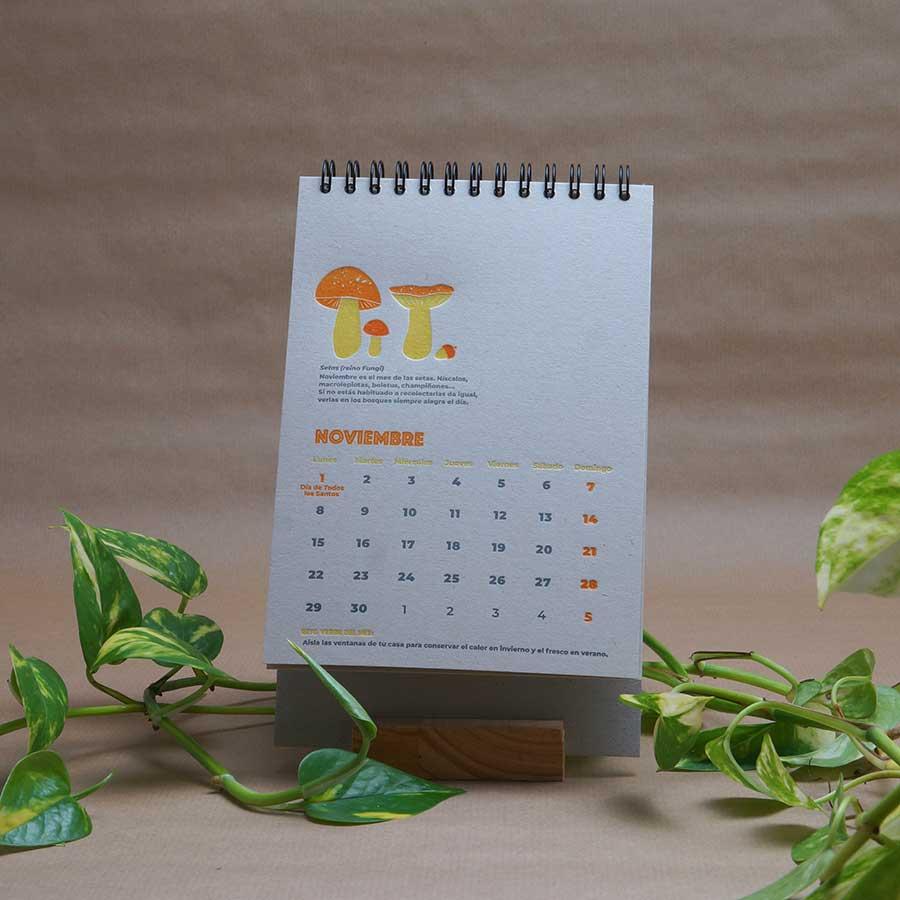Página interior del calendario letterpress 2021, este año dedicado al medio ambiente, con curiosidades naturalistas y retos medioambientales. Mes de noviembre
