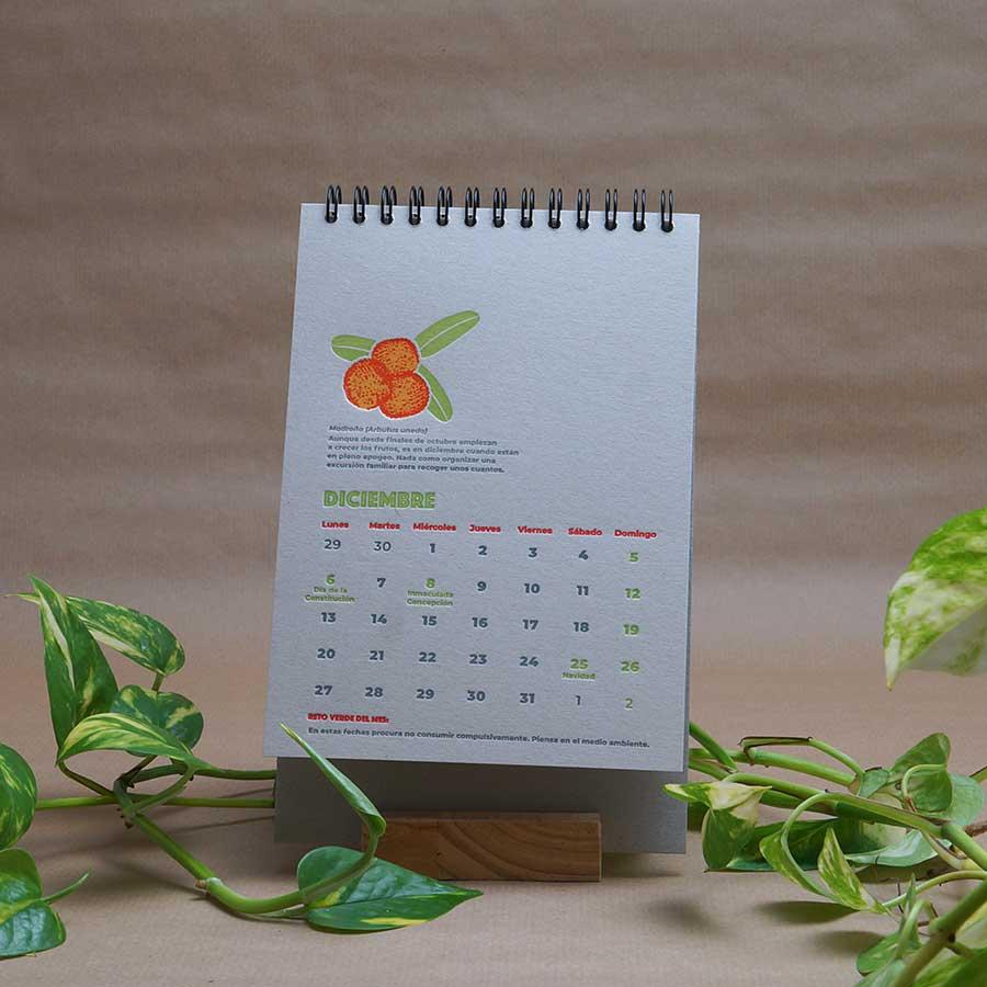 Página interior del calendario letterpress 2021, este año dedicado al medio ambiente, con curiosidades naturalistas y retos medioambientales. Mes de diciembre