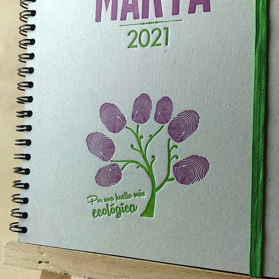 Detalle de ilustración de la portada de agenda personalizable