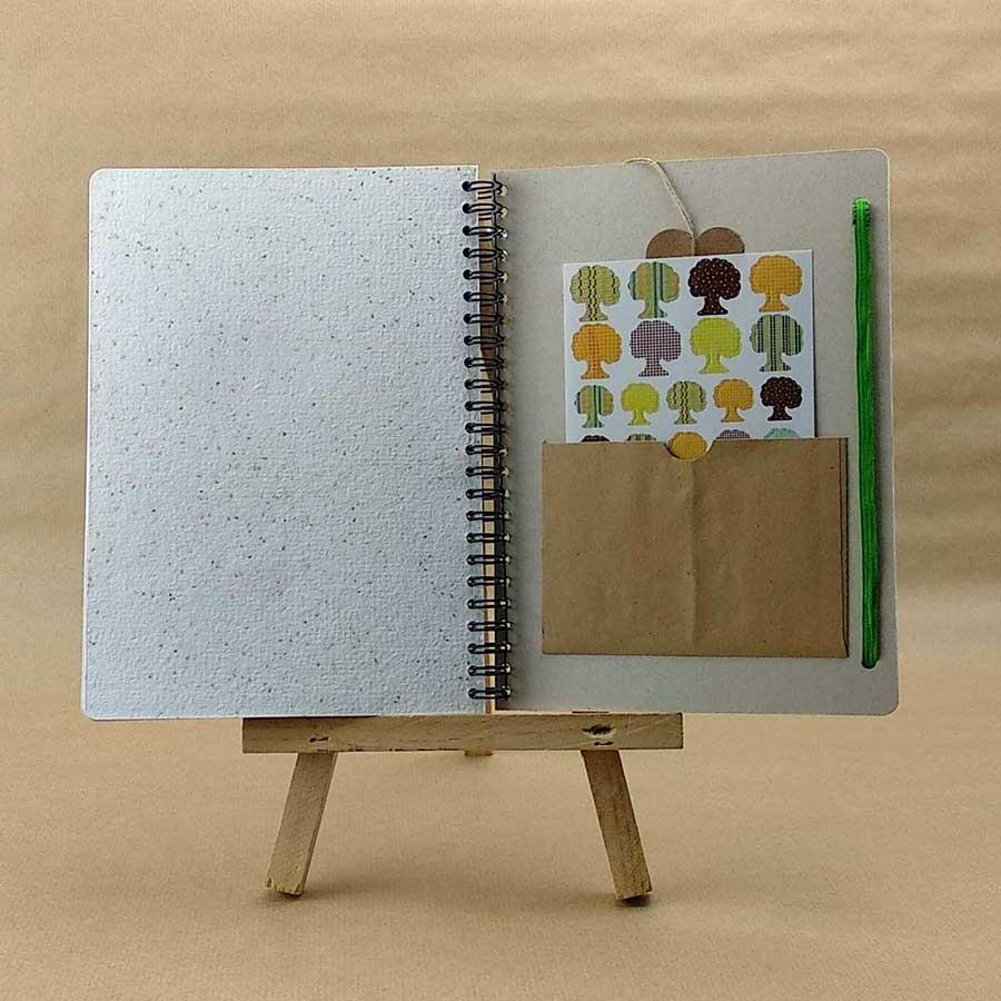 Detalle de página de semillas y pegatinas de la agenda personalizable de Tiporium