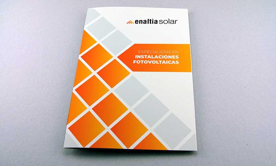 Presentación mockupde carpeta corporativa de Enaltia Solar